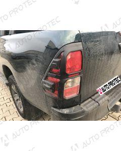 AutoProtec rámečky zadních světel typ B – Toyota Hilux